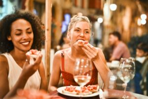 5 Clever Tips for Eating Out on a Diet