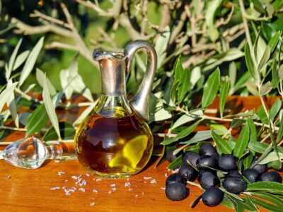 How Olive Oil Helps with Weight Loss